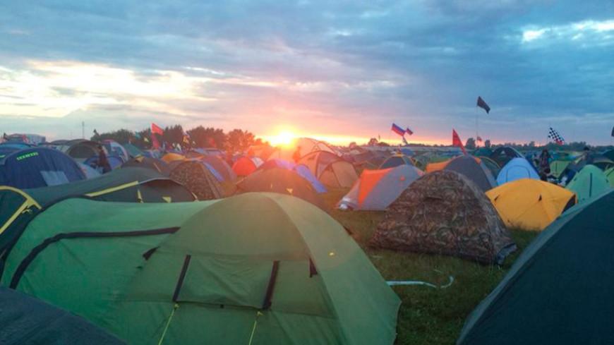 """Фото: Елизавета Шагалова, """"«МИР 24»"""":http://mir24.tv/, палатки, нашествие"""