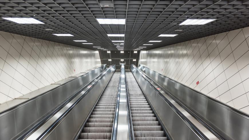 На станции «Марьина Роща» смонтировали конструкции самого длинного эскалатора метро