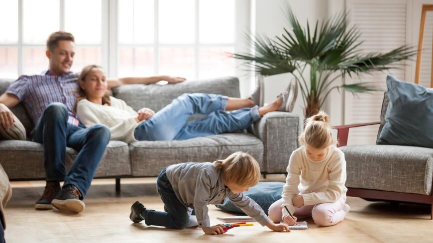 Президент России подписал закон о поддержке семей с детьми
