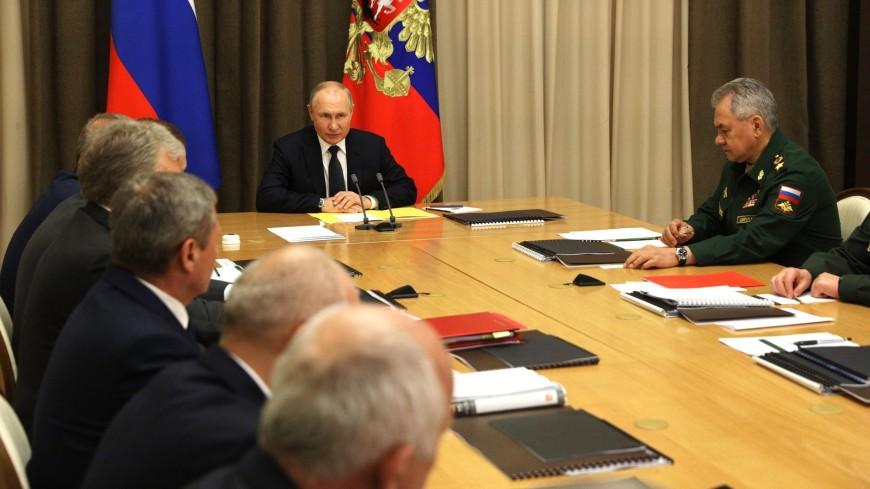 Путин: Армия должна быть компактной, но эффективной благодаря развитию авиации
