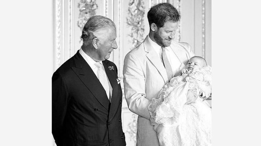 Странное поздравление: пост принца Чарльза взбудоражил Сеть