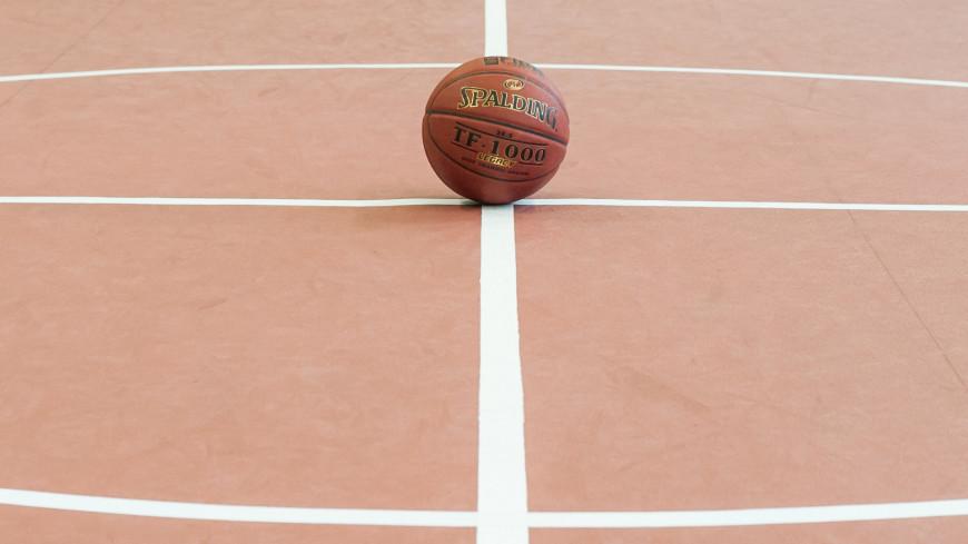Умер рекордсмен НБА по блок-шотам Марк Итон
