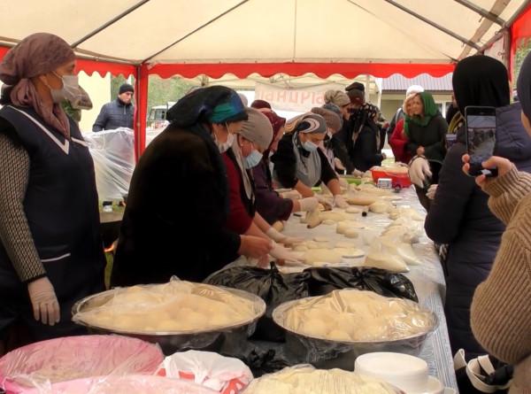 С пылу с жару: первый фестиваль хычина прошел в Кабардино-Балкарии