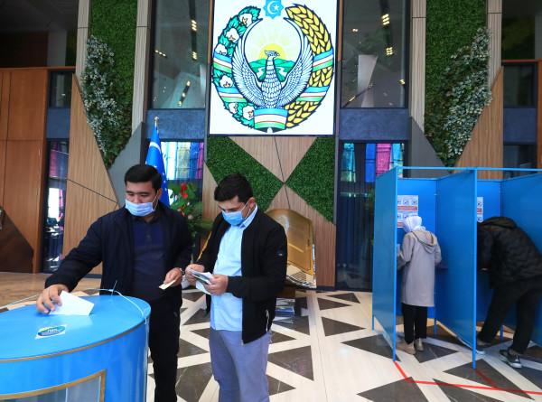 Президентские выборы в Узбекистане: как проходит голосование