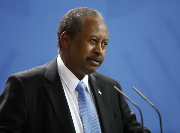 Задержанный военными премьер Судана Хамдук вернулся домой