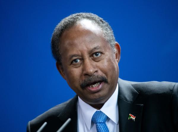 Премьер Судана призвал граждан выйти на улицу и защитить революцию