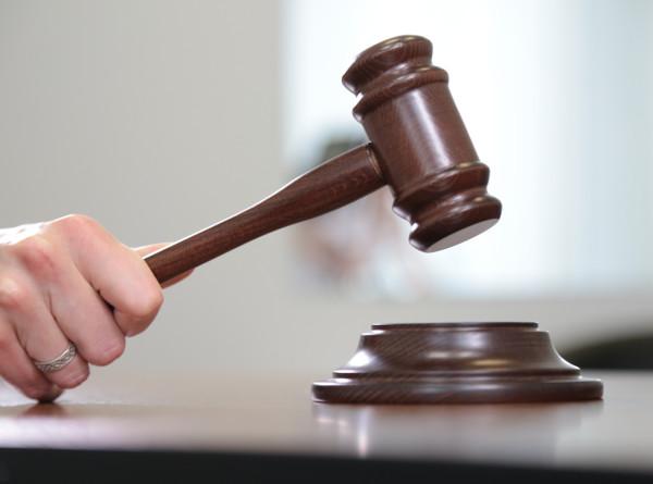 Американка подала в суд на производителя сладостей за недостаток клубники в торте