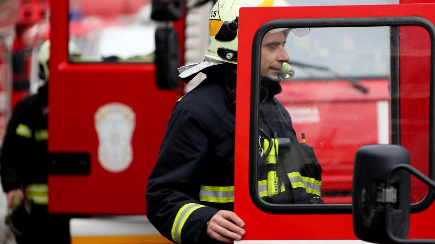 Склад в Новой Москве охватил крупный пожар