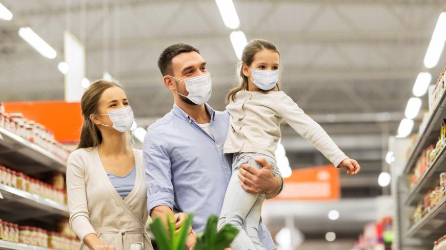 Ученые: Взрослые и дети одинаково часто заражаются COVID-19
