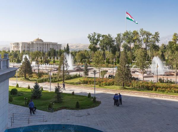 Заглянуть в чайхану и попробовать национальную выпечку: пять причин побывать в Душанбе