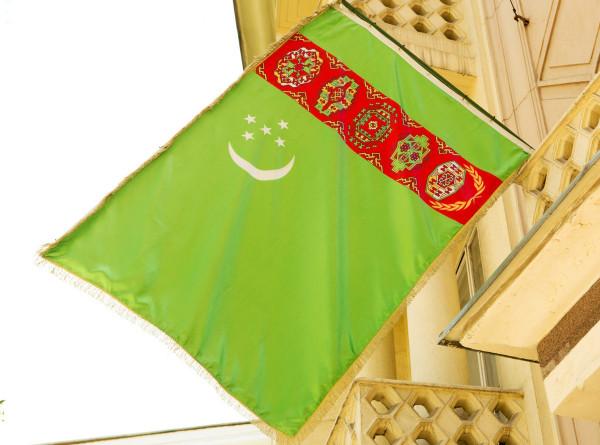В Ашхабаде открыли новую трибуну, где пройдет парад в День независимости Туркменистана