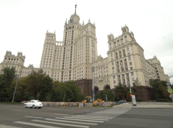«Москва слезам не верит»: Сергей Белоголовцев проехал по местам легендарного фильма