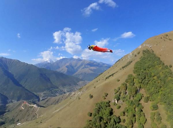 Тысячелетняя мечта: как экстремалы «летают» в горах Северного Кавказа