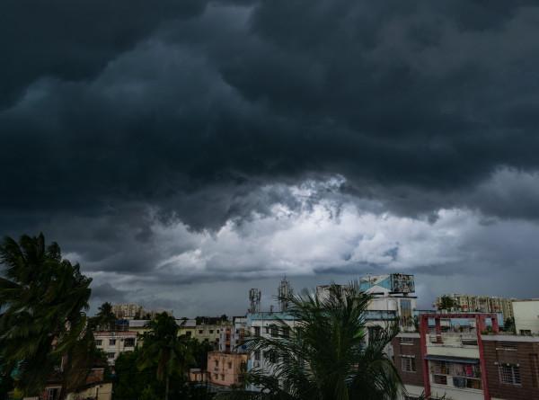 Мощный циклон «Гулаб» обрушился на восточное побережье Индии