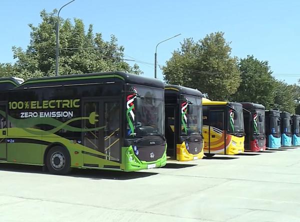Как делают автобусы в Таджикистане?