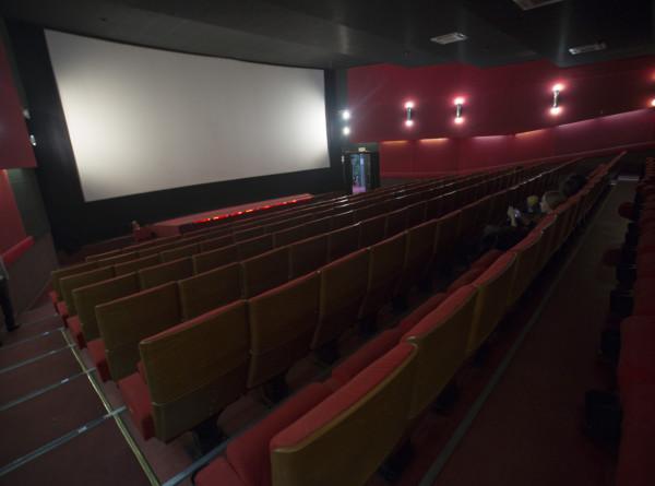 Россияне назвали фильмы, которые смотрят осенью