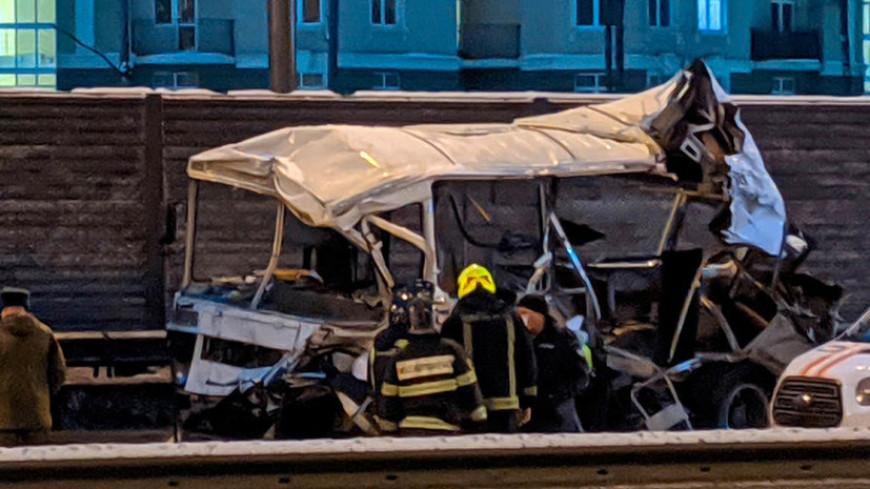 Водитель самосвала, врезавшегося в военные автобусы в Подмосковье, осужден на пять лет