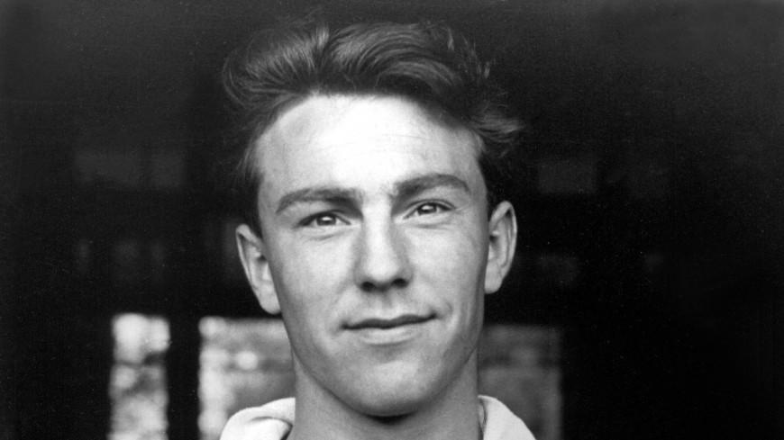 Бывший футболист «Тоттенхэма» и сборной Англии Джимми Гривз скончался в возрасте 81 года