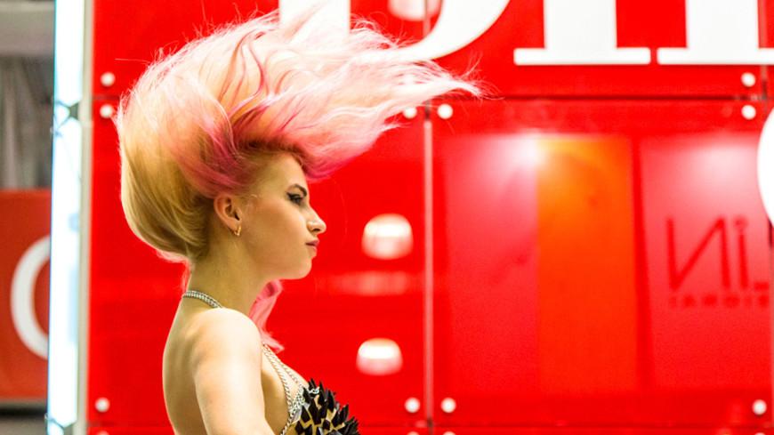 """Фото: МТРК «Мир», """"«Мир 24»"""":http://mir24.tv/, укладка, парикмахер, стилист, прическа"""