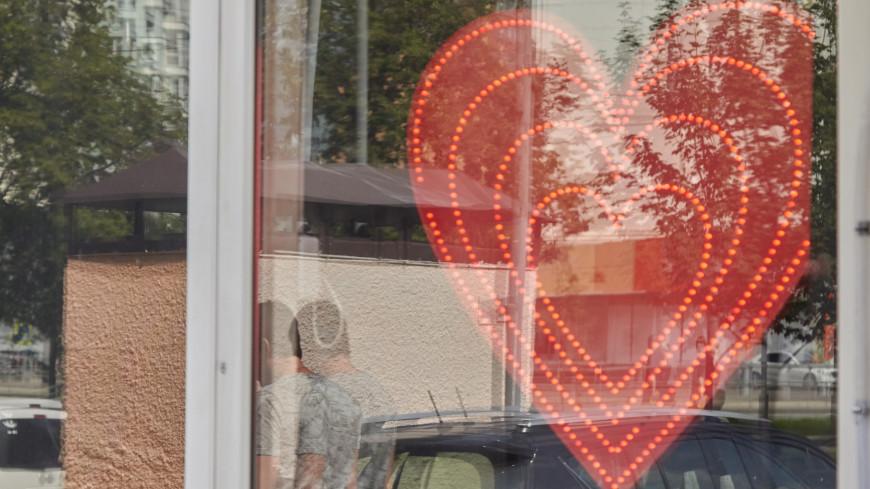 """Фото: Дмитрий Белицкий (МТРК «Мир») """"«Мир 24»"""":http://mir24.tv/, секс шоп, магазин, магазин для взрослых, секс"""