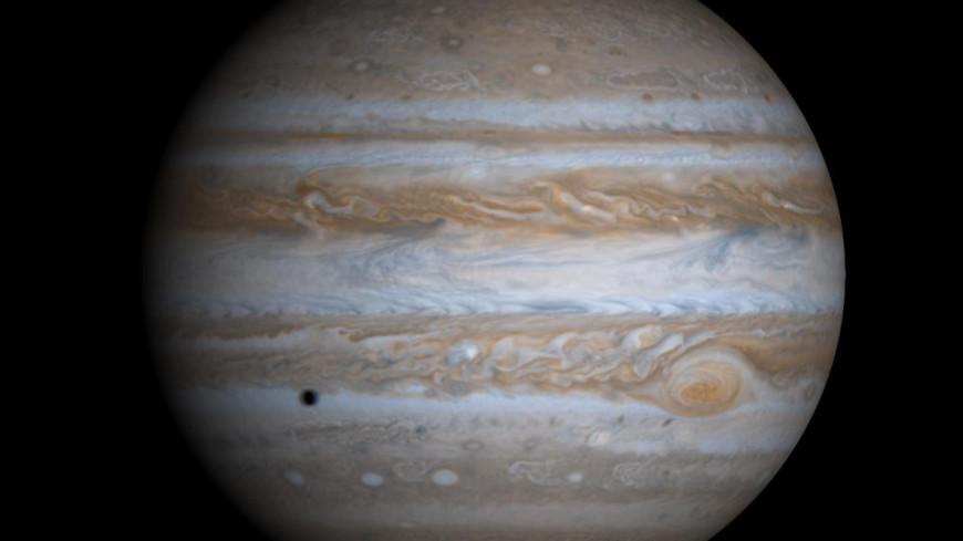 Крупнейший шторм Солнечной системы начал ускоряться