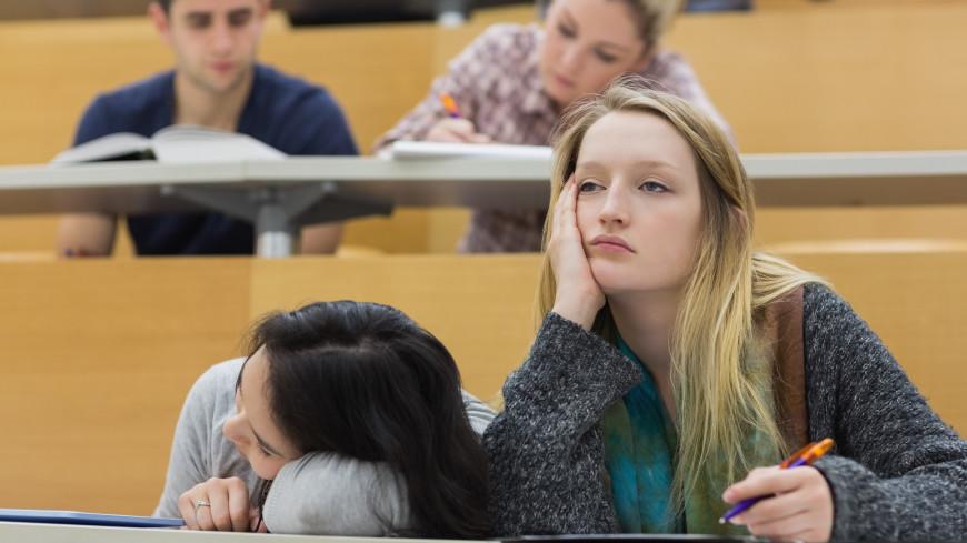 «Эйфория пропадает уже к середине сентября»: что делать первокурсникам, если учеба не задалась