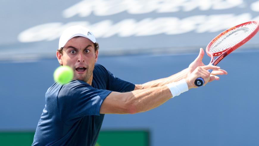 Карацев вышел в четвертый круг теннисного турнира в Индиан-Уэллсе