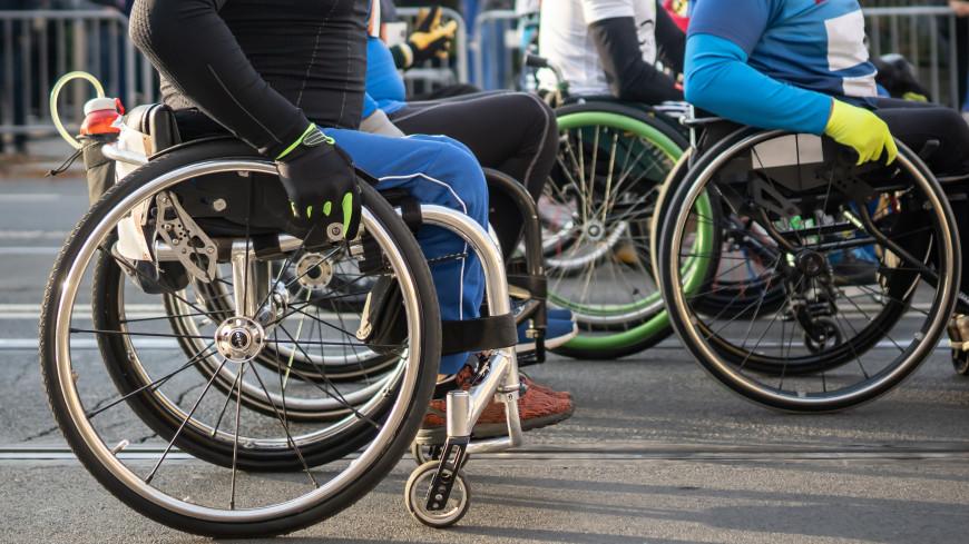 Гонки на колясках: полторы сотни участников вышли на старт в Бишкеке