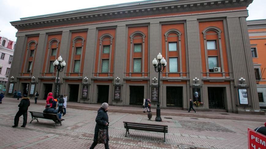 В Москве у Театра Вахтангова поставят памятник Яковлеву, Этушу и Лановому