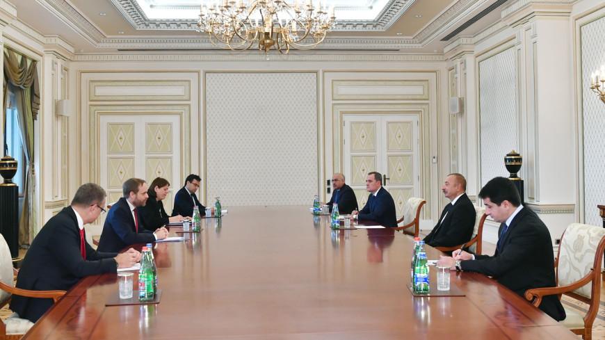 Ильхам Алиев обсудил с главой МИД Чехии развитие экономических связей между двумя странами