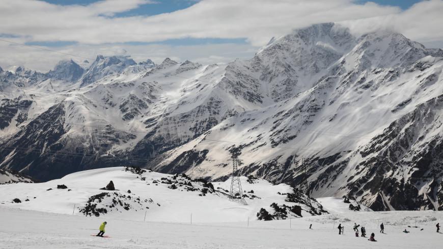 Главные новости за ночь: спасение альпинистов на Эльбрусе, настоящий цвет Солнца и пища будущего
