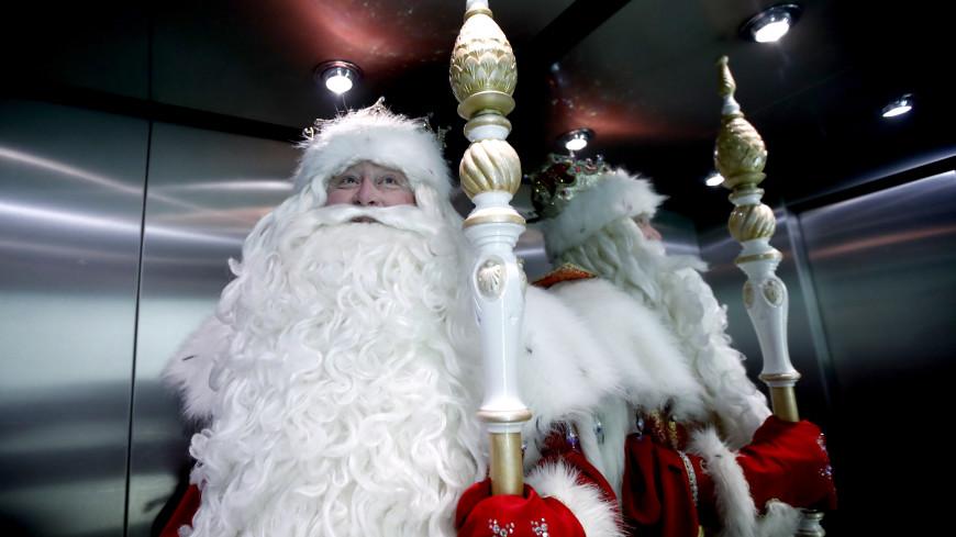 Дед Мороз проголосовал на выборах в своей резиденции в Великом Устюге