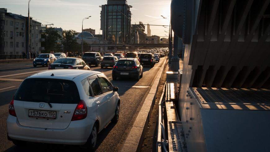 Дептранс узнал, водители каких машин чаще всего нарушают ПДД в Москве