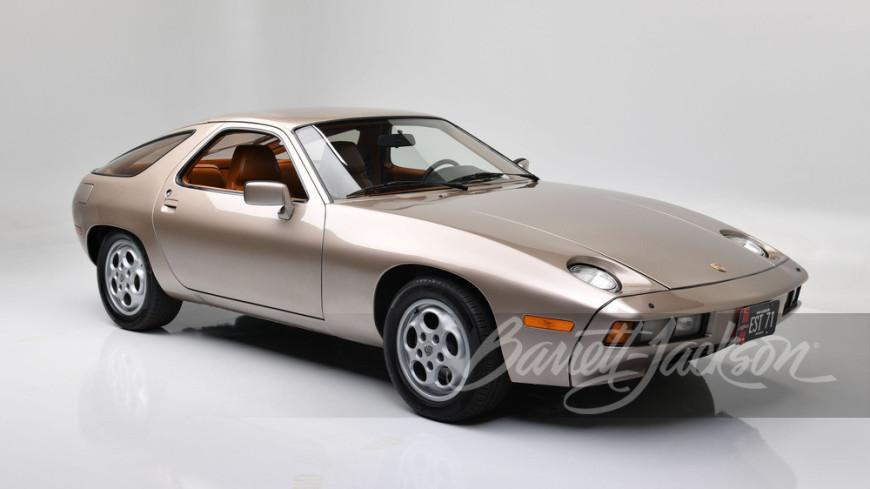 На аукционе был продан Porsche из фильма «Рискованный бизнес» с Томом Крузом