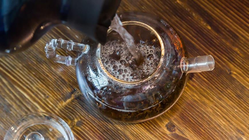"Фото: Татьяна Константинова (МТРК «Мир») ""«Мир 24»"":http://mir24.tv/, чай, еда, кухня, чайник, заварочный чайник, заварка, сухой чай"