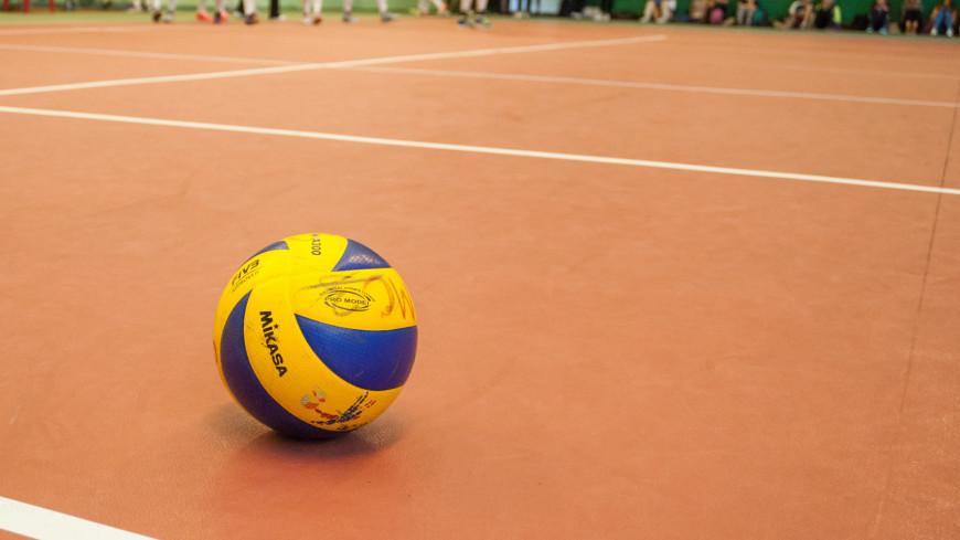 Российские волейболисты вышли в плей-офф чемпионата Европы, обыграв испанцев